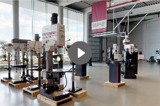 VDH machines - showroom Moeskroen